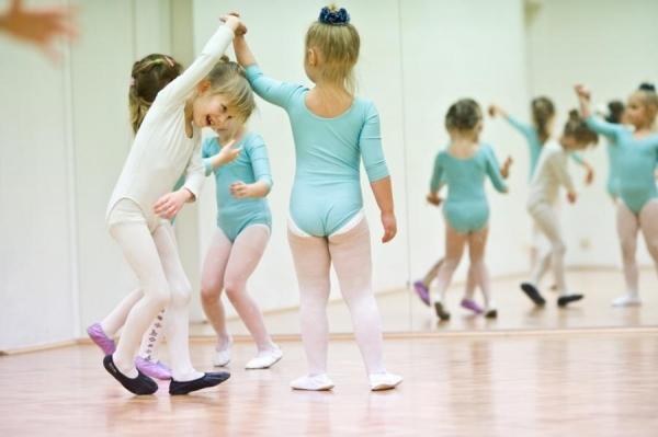 Czy warto posłać dziecko na balet?